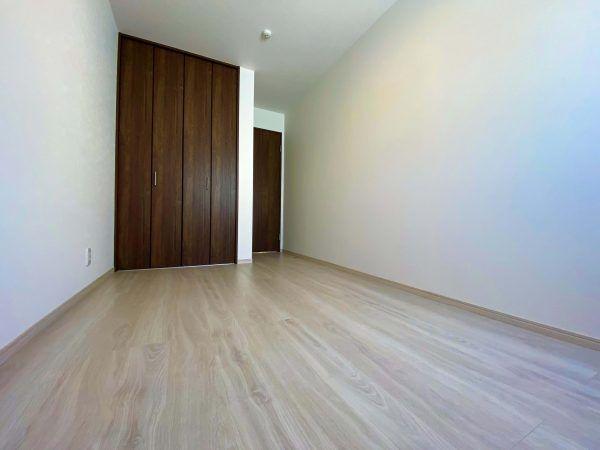 武雄市朝日町 新築建売住宅 「OURS 武雄 甘久 3号地」◆洋室