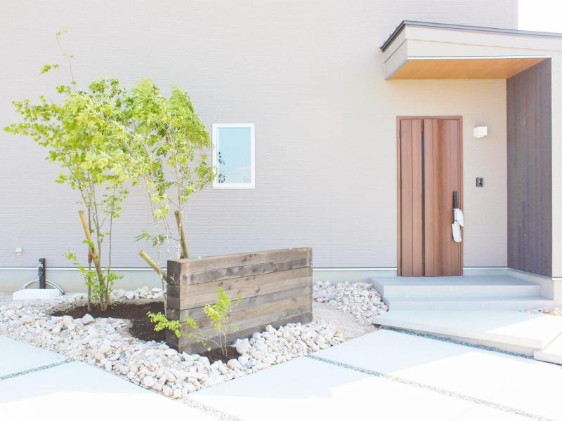 新築住宅「OURS 筑後西牟田」玄関