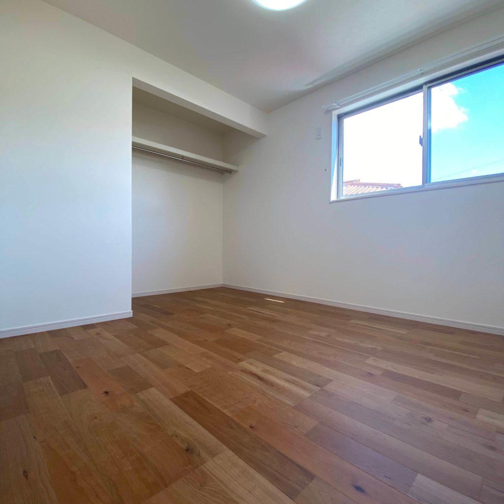 有田町黒川 新築住宅「OURS有田黒川2号地」◆2F洋室