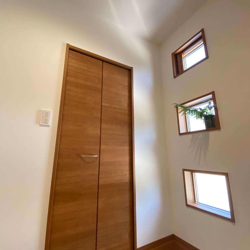 武雄市武雄町新築建売住宅「OURS武雄富岡3号地」◆玄関