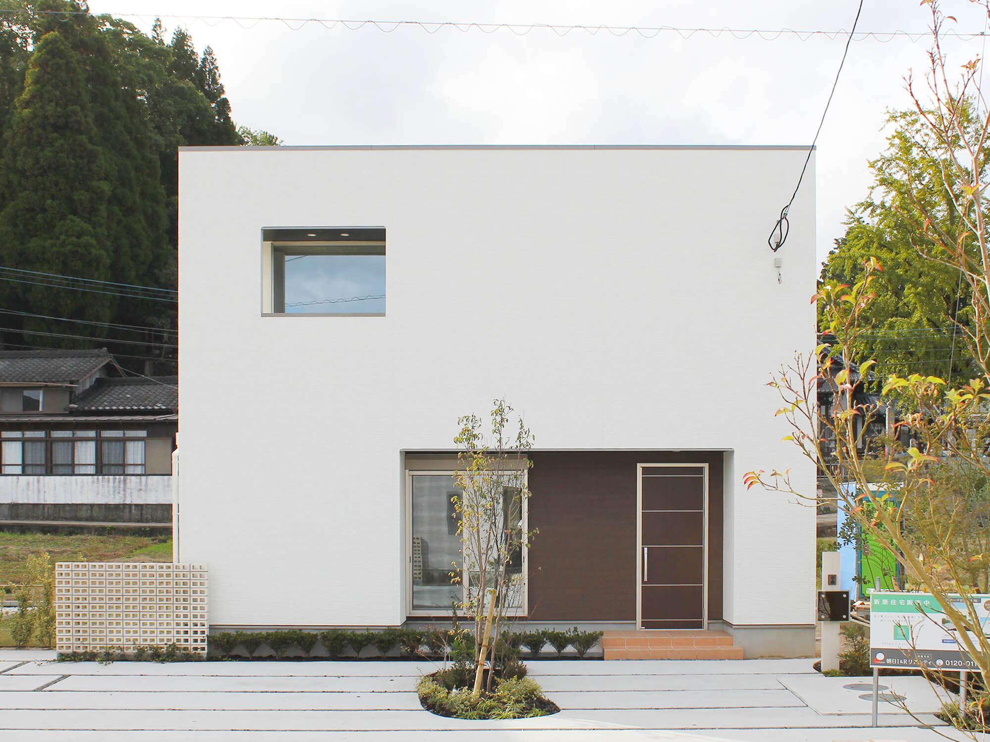 朝日I&Rリアルティの新築住宅「OURS GARDEN 甘久3-FORCASA」外観
