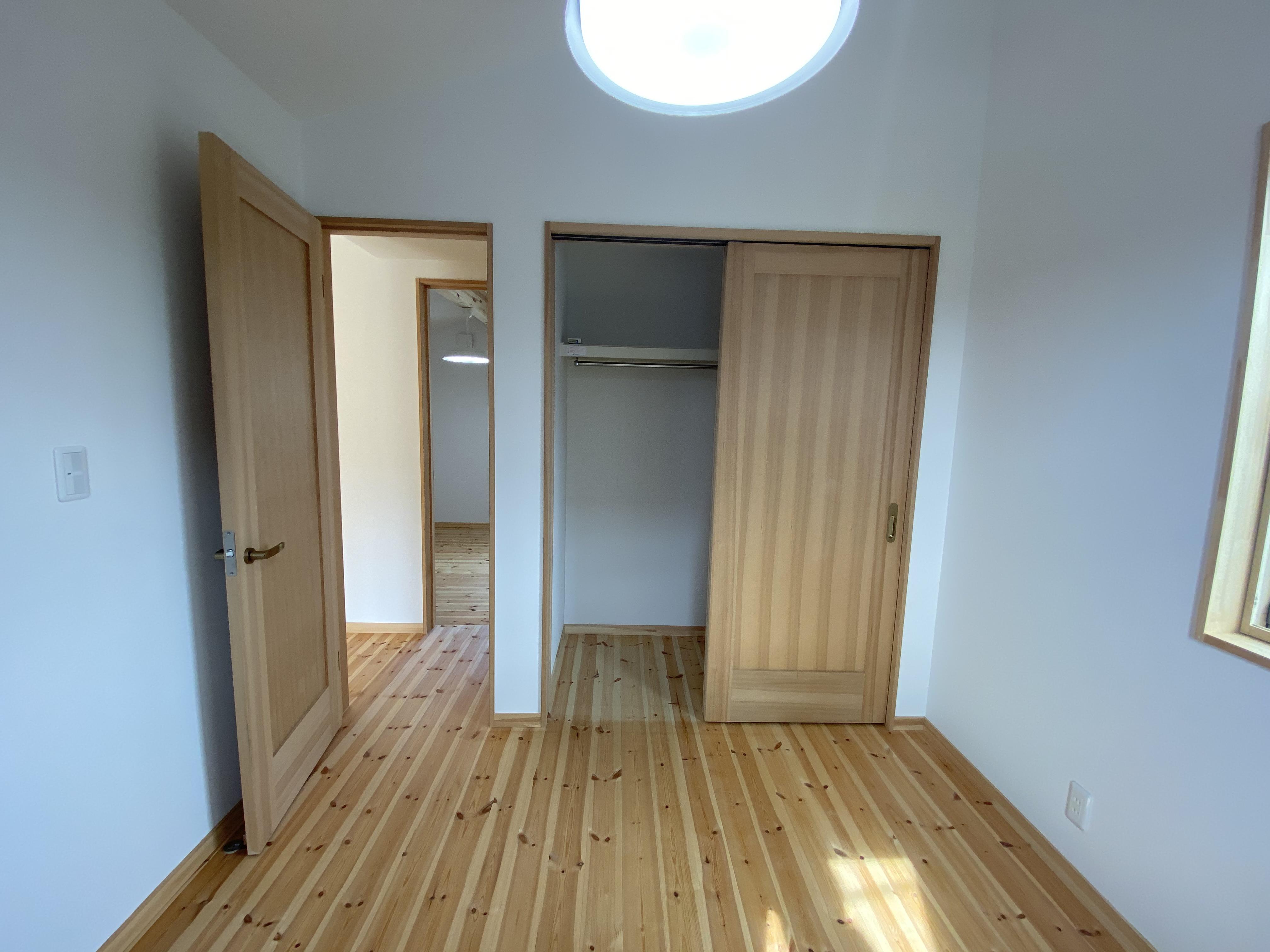 甘久Ⅲ・2階洋室