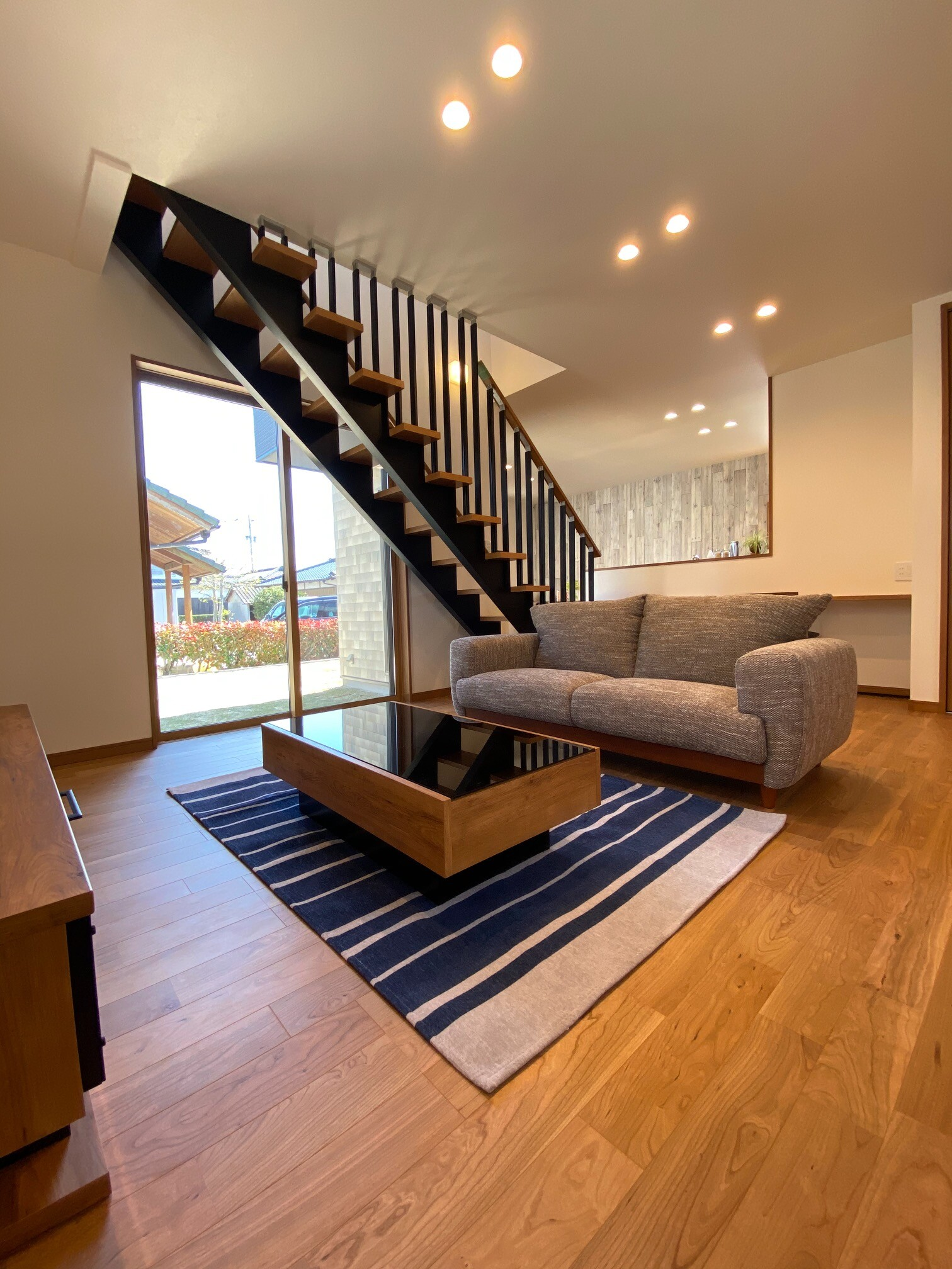 小城市新築戸建建売住宅【OURS三日月】リビング階段