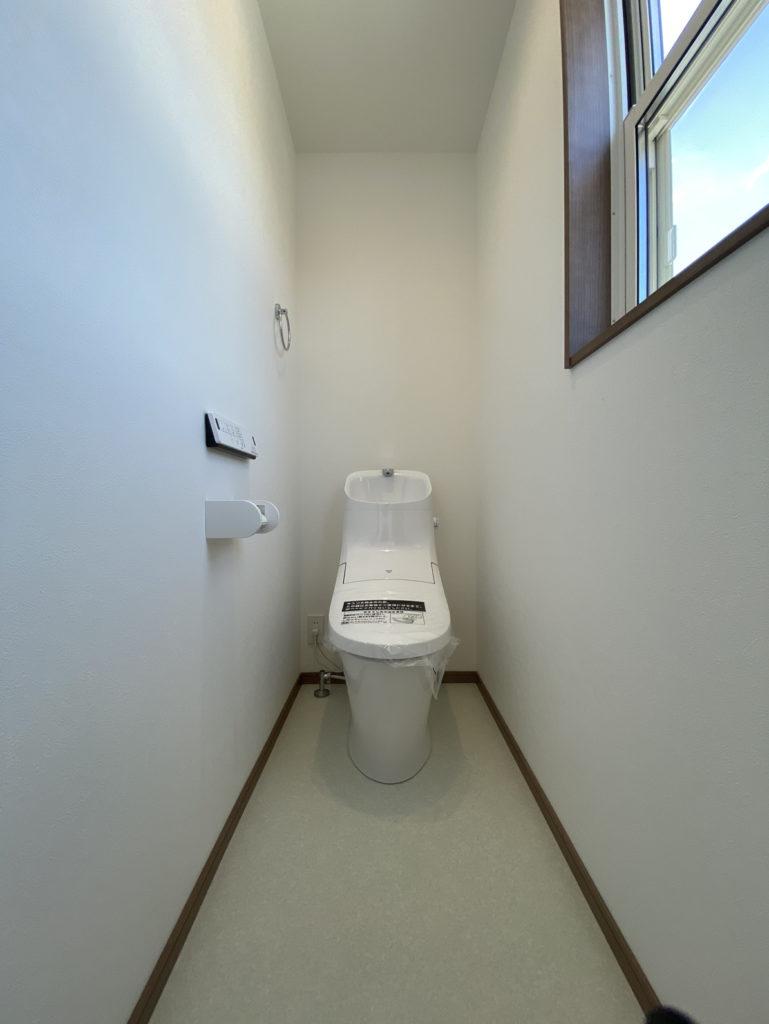 杵島郡白石町「OURS東郷1号地」2Fトイレ