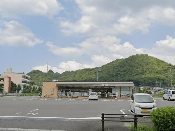 「OURS有田外尾」からセブンイレブン有田駅前店まで車で11分(837m)